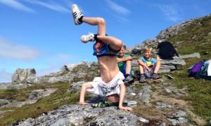 Tre fjellfantar på veg til Aurdalsnibba. (1126 moh) (Foto: Lars Petter Vemøy)